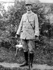 De_Gaulle,_capitaine_en_ 1915