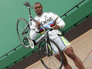 Gregory Bauge - Cyclisme velo de vitesse - 18.03.2010 - Magazine Studio - largeur attitude pose portrait