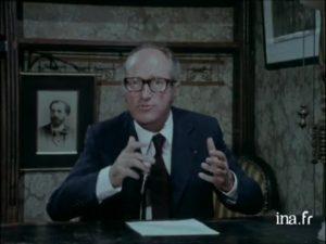 ▲ Alain Decaux demeure le passeur de mémoire incontournable du Magazine Historia dans les années 1970-1980. (©INA)